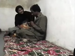 Pakistani Pair having sex in..